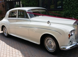 Rolls Royce Silver Cloud for weddings in East Grinstead